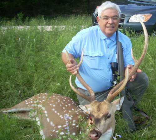 Mike with axis buck