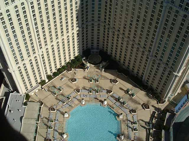 Paris-Las Vegas pool area